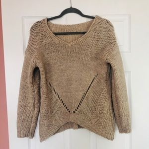 Sweaters - V-neck knit sweater
